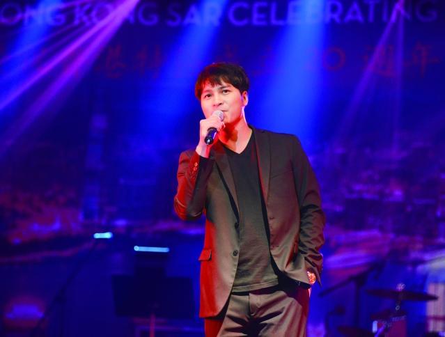 吳程宇演唱多首好聽的時代歌曲
