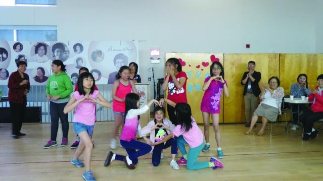 學齡兒童表演