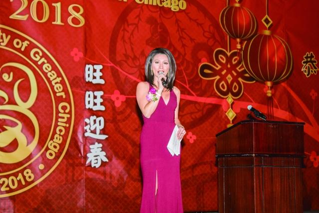 06芝加哥ABC第七頻道電視台的新聞主播徐平(Judy Hsu)擔任晚會的司儀