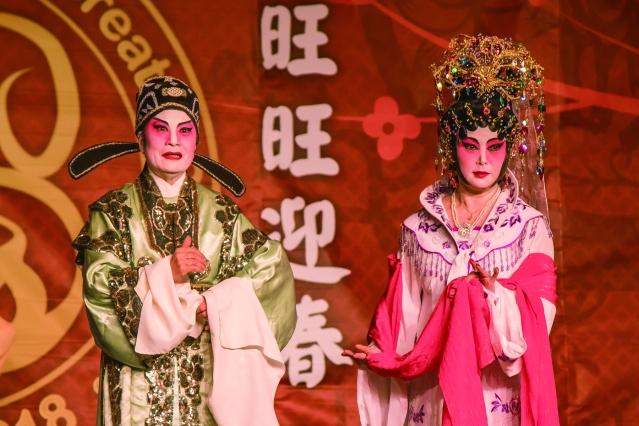 伍煥光領隊,芝加哥安良曲藝團表演的粵劇《夢會太湖》