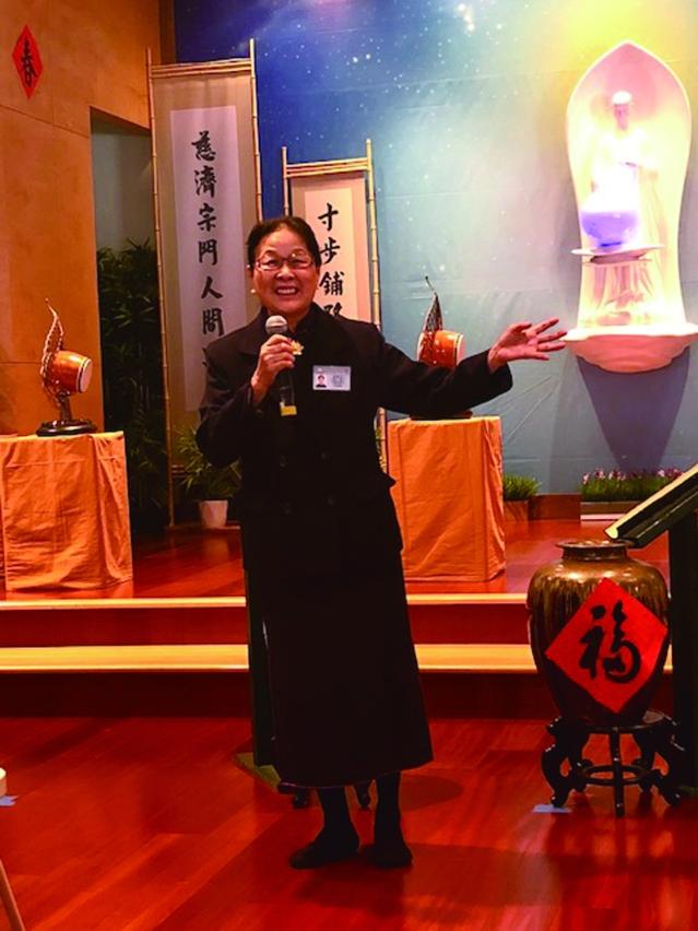 美國慈濟基金會中西部副執行長蔡雅美師姐向會眾分享親歷花蓮地震時的情景