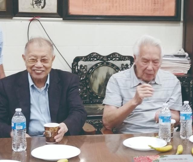 05前主席秉樞(左)、 振民(右)