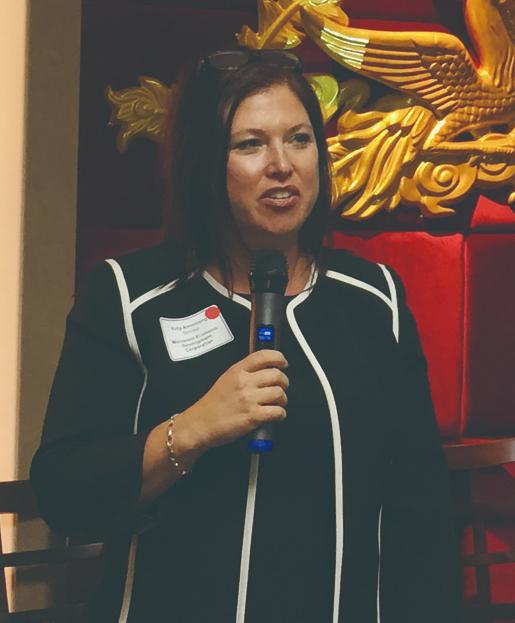 照片七:威斯康辛州經濟發展廳產業策略主任Kelly Armstrong介紹該州狀況 (1)