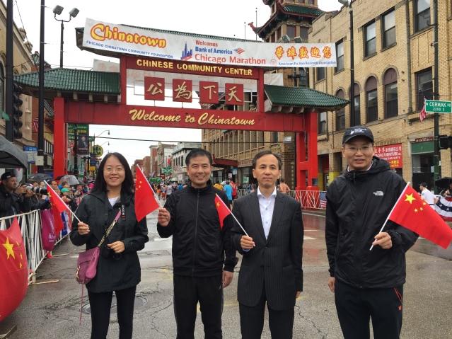 5劉軍代總領事、余鵬副總領事、盧曉輝領事和周蕾領事共同為中國選手加油打氣