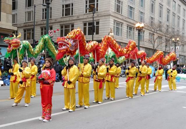印城華夏文化中心精彩的舞龍表演