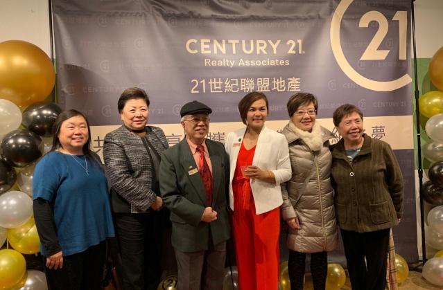 照片五:出席開張典禮社團代表合影(左起):劉炯玲、梅施美英、廖錦良、Shearon Wong、劉紅、黃羅瑞雄。