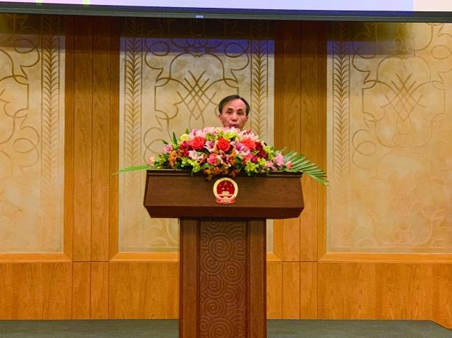照片二:劉軍副總領事主持招待會