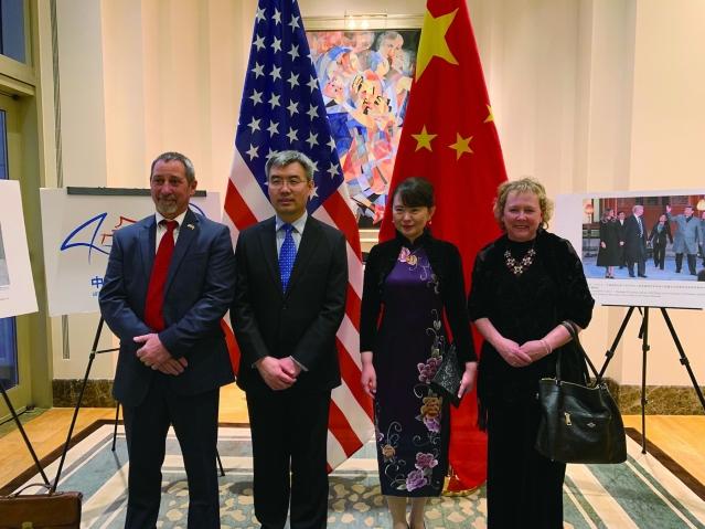 照片十一:趙建總領事夫婦與嘉賓合影