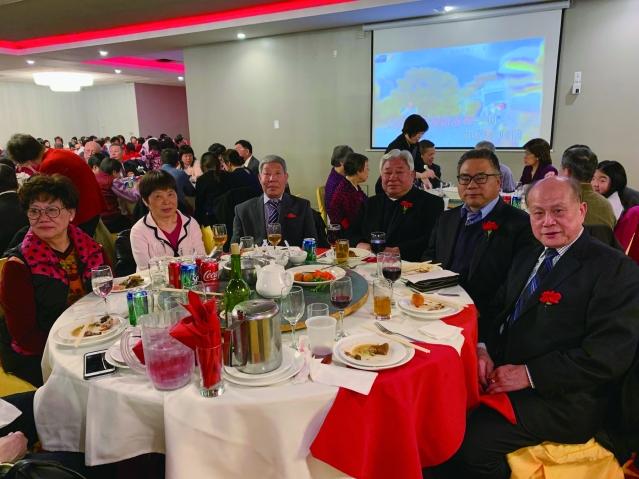照片十六:僑社代表出席宴會