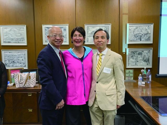 照片四:嘉賓合影(左起):庫克郡名譽副財長馬森柱、財長帕帕斯、劉軍副總領事