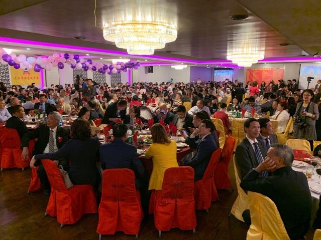 照片九:成立大會晚宴現場一角 人氣鼎盛