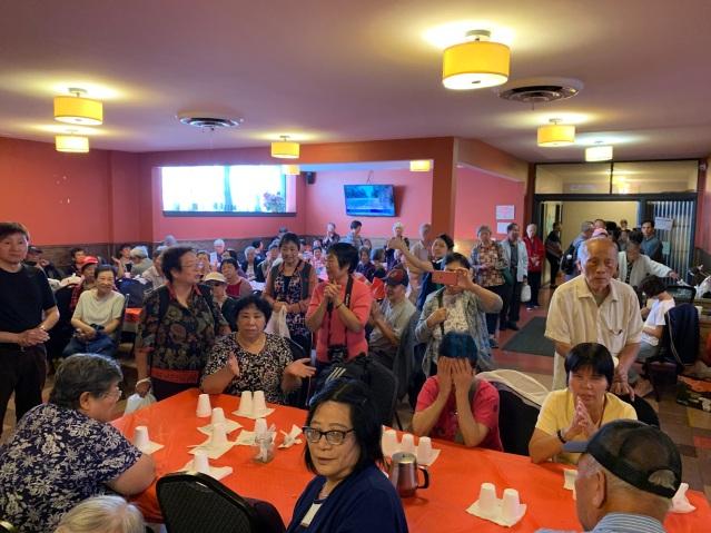 照片五:四百多位耆老參與活動