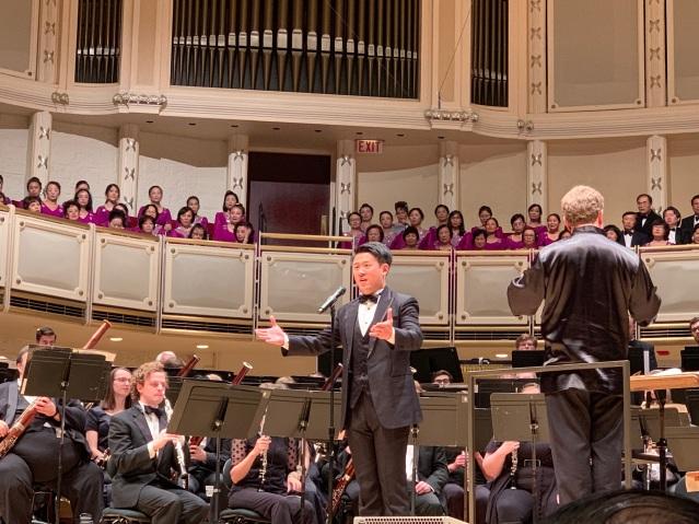 照片八:青年男中音歌唱家盧驥帶來《黃河頌》