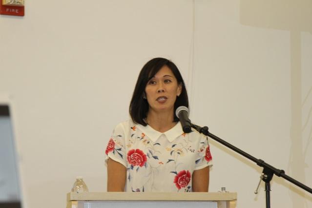 照片四:伊州人力服務部部長侯炳文出席了會議