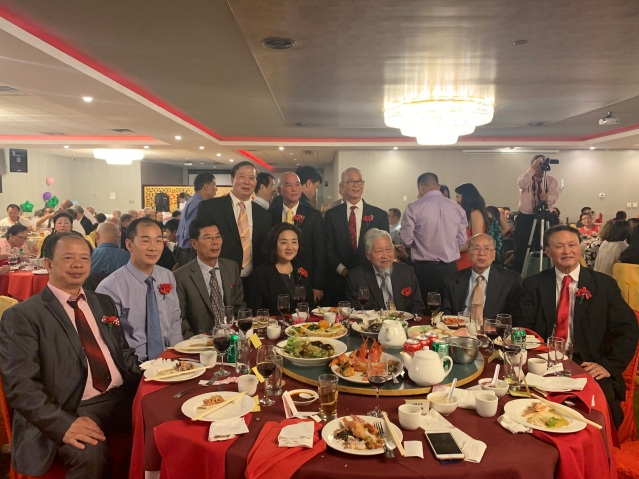 24.僑社代表出席宴會
