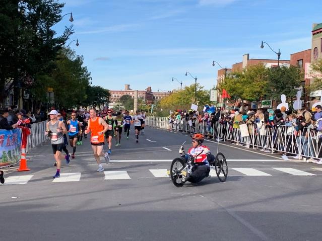 7.輪椅選手熱情不減 奮勇向前