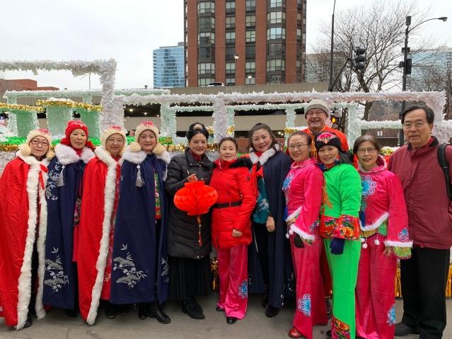 4.參與遊行的芝加哥人民藝術團合影