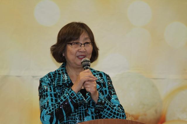 2.希林中文學校創辦人之一楊八林感謝各界對學校的大力支持