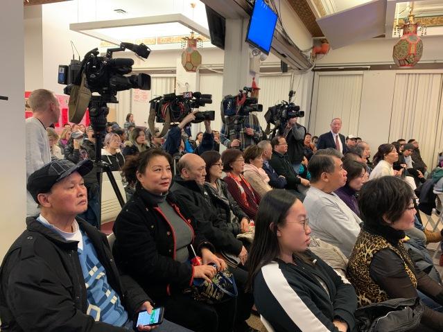 13.主流媒體、社區代表均出席了會議